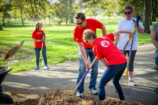 Tim Ash Lends a Hand with Park Cleanup