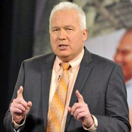 Tom-Hegna-Best-Selling-Author-Speaker