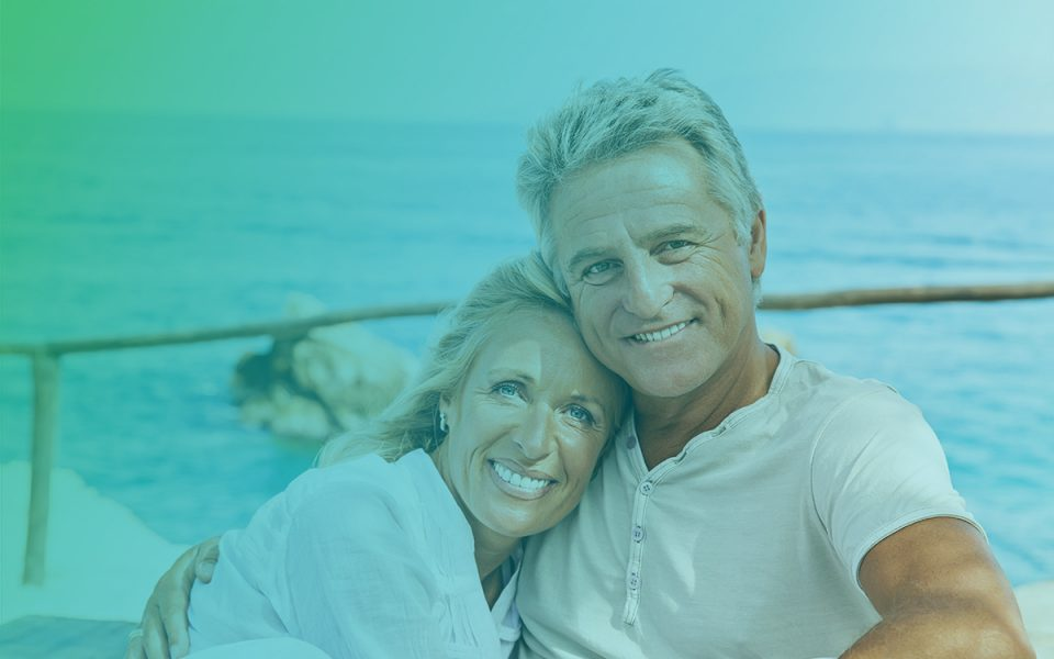 Couple-Prepares-for-Retirement-with-Social-Security